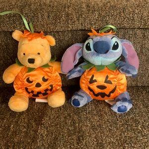 Disney 2007 Halloween themed Winnie the Pooh & stitch dressed as pumpkins